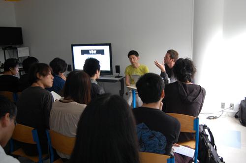 日仏学院は言語を学ぶ場ということもあり、言語がどのように影響し変化して... 東京日仏学院にて、